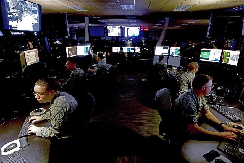 Сотрудники Google стремительно уходят из компании из-за ИИ-проекта для Пентагона»